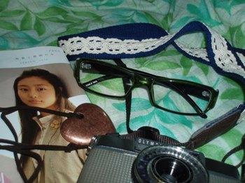 PENとカメラストラップと伊達眼鏡とペンダントとbuku